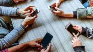 3 Signs You Are Addicted To Your Phone